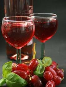 За здраве и щастие пийте червено вино