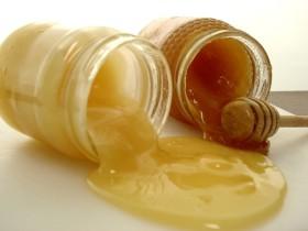 Захаросан мед
