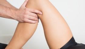 вода в коляното
